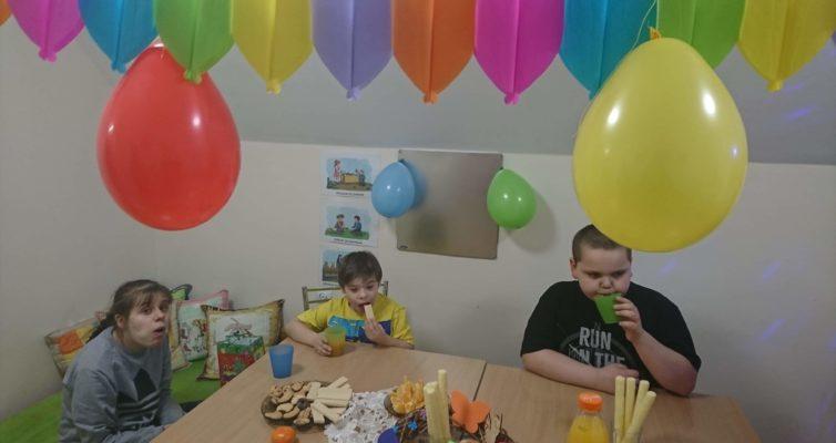 w przedszkolu świętowano urodziny Wojtka